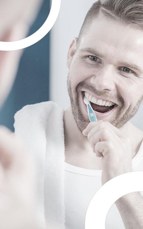 illustration homme se brossant les dents