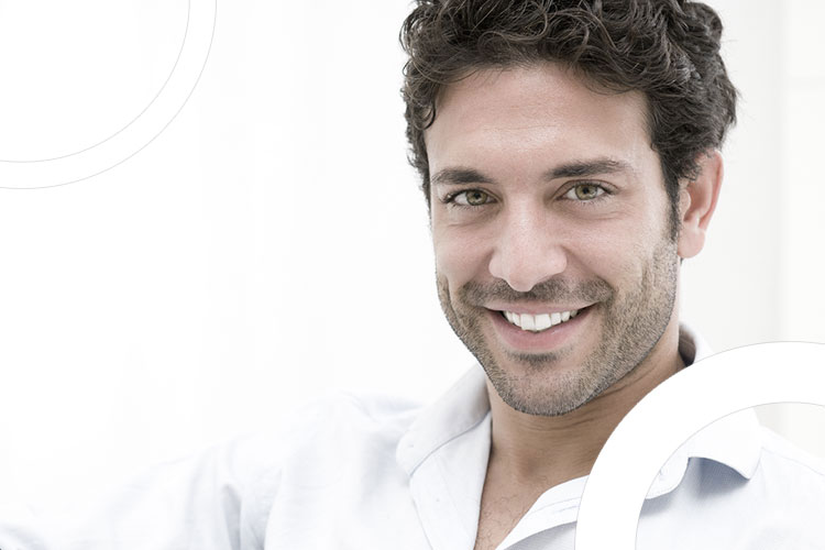 illustration homme souriant avec facette dentaire