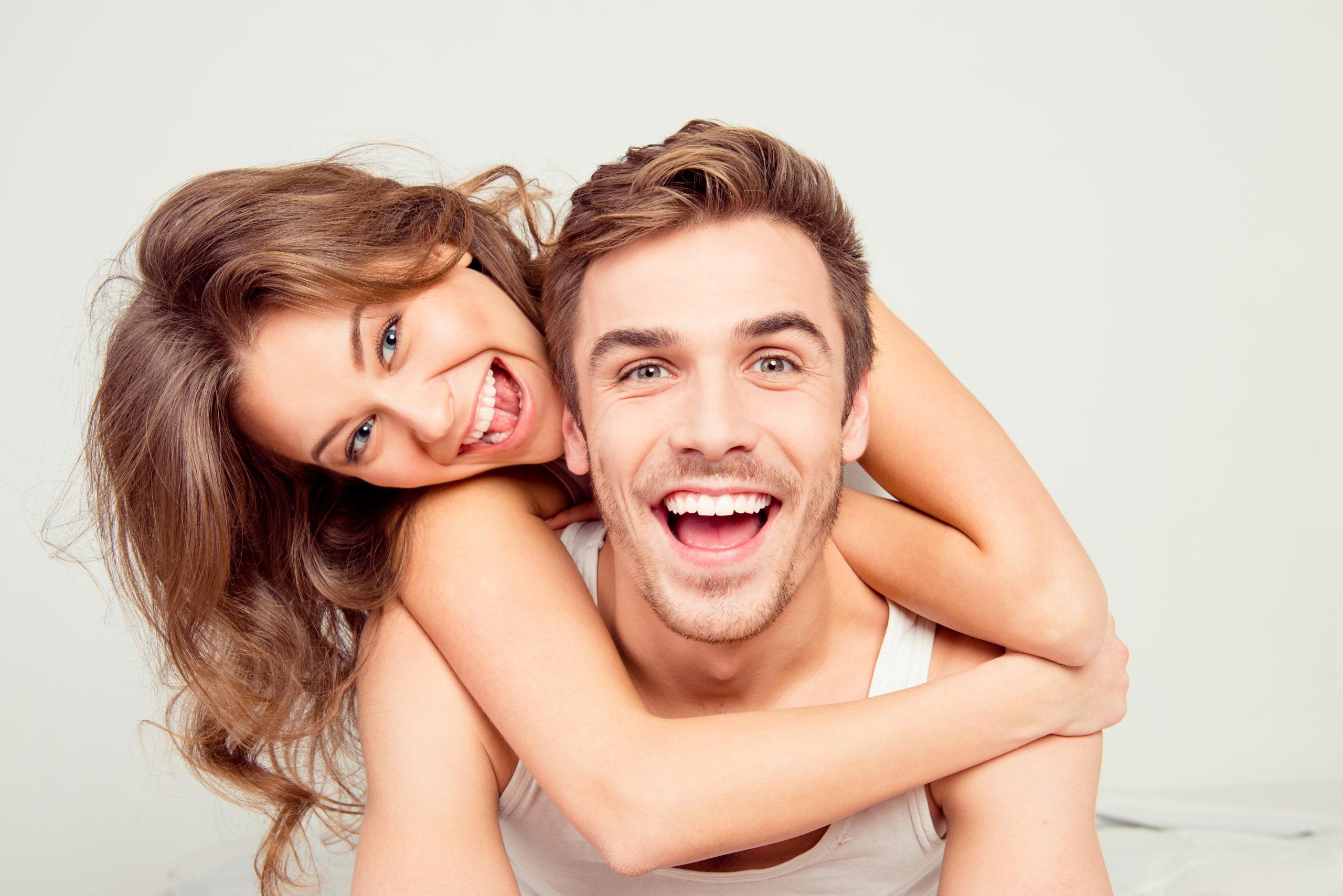 illustration couple souriant